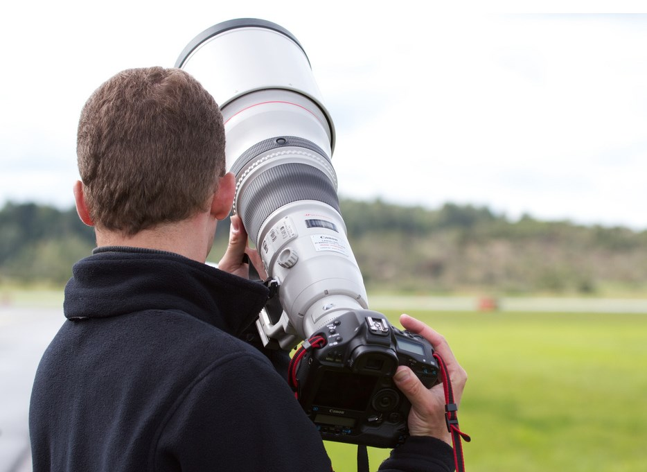 Canon 800mm f5.6 L IS USM  13,000$